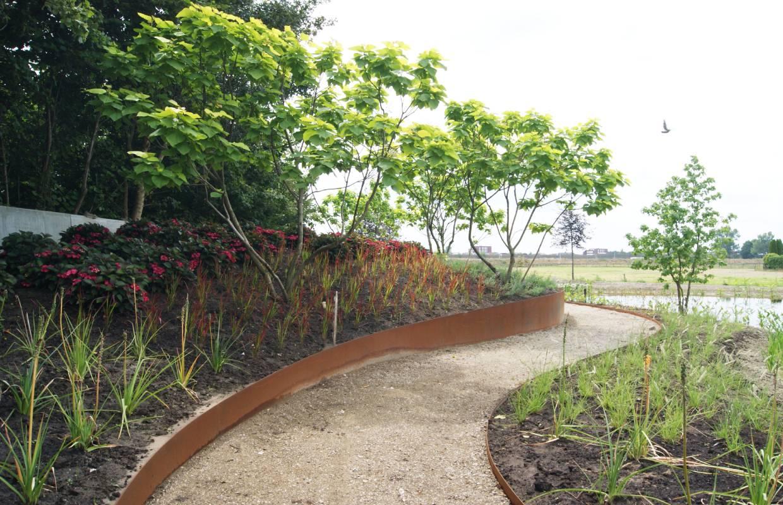 Fonkelnieuw Tuin met natuurvijver – Van Sleeuwen Hoveniers PY-55